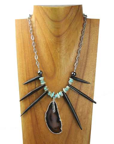 horn necklace with agate stone.