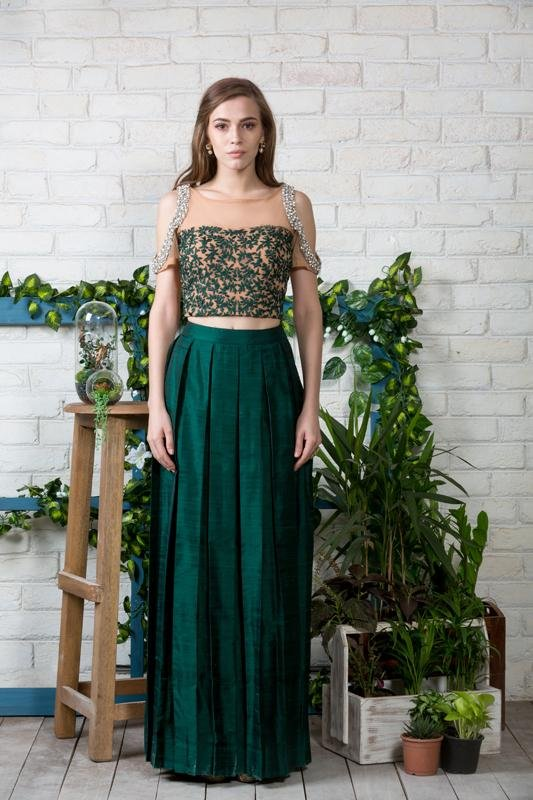 Crop top with pleated skirt Chhavvi Aggarwal