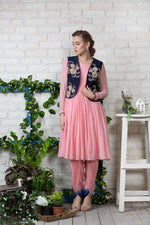 Load image into Gallery viewer, Kurta with dhoti salwar and Gilet Chhavvi Aggarwal