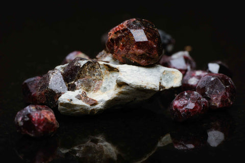 Raw Gemstones Garnet