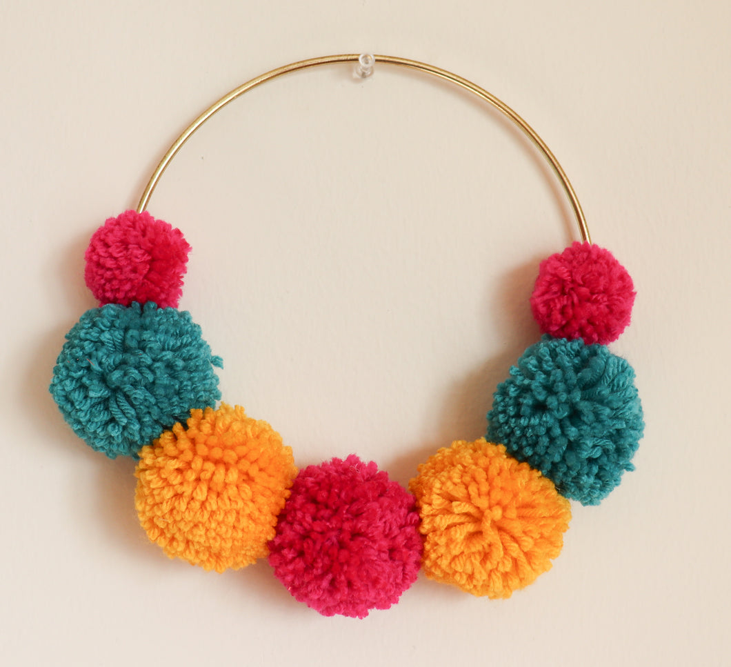 POM CIRCLE HANGING- MULTI 3