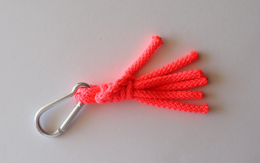 TWISTED KNOT KEYCHAIN