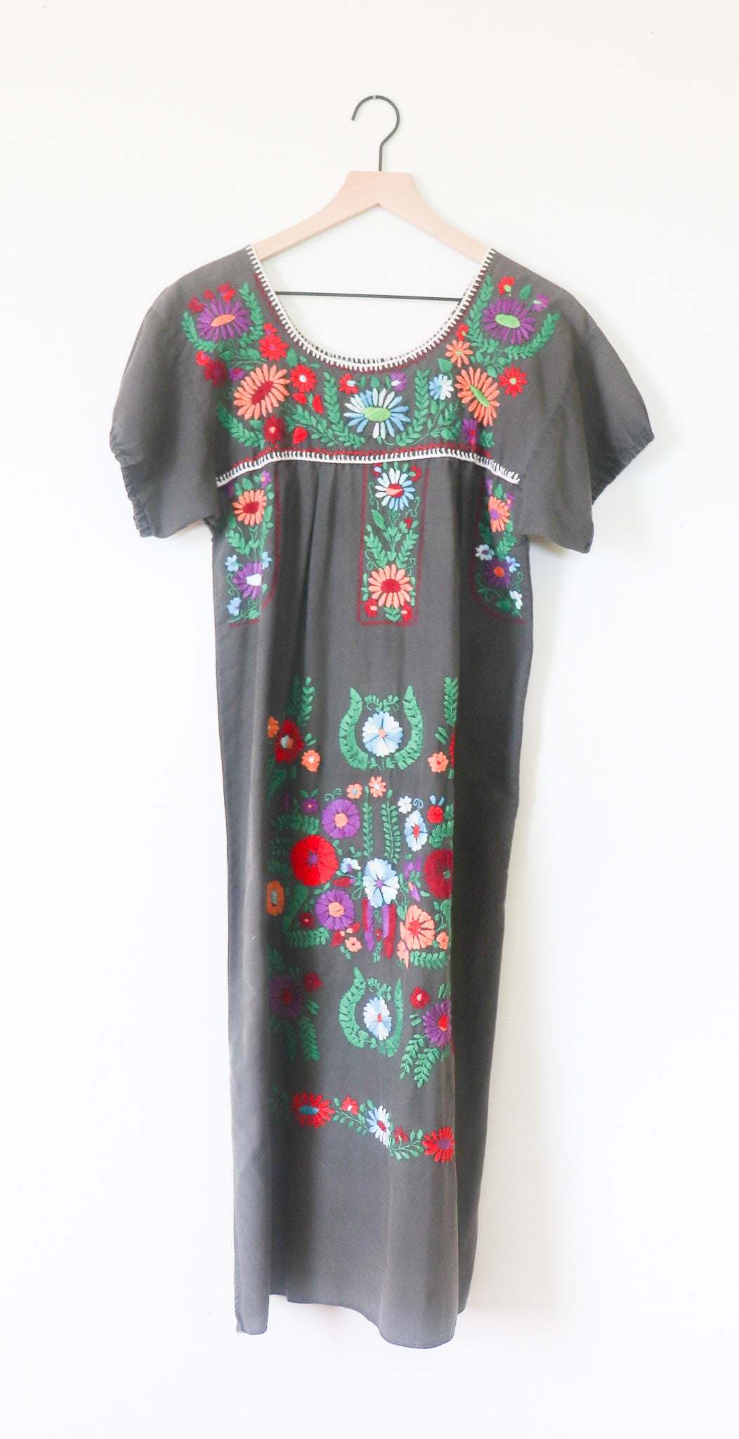 VINTAGE MEXICAN EMBROIDERED DRESS- WASHED GREY