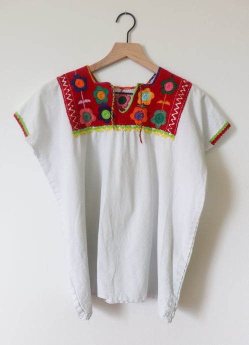 VINTAGE TOP WITH EMBROIDERY