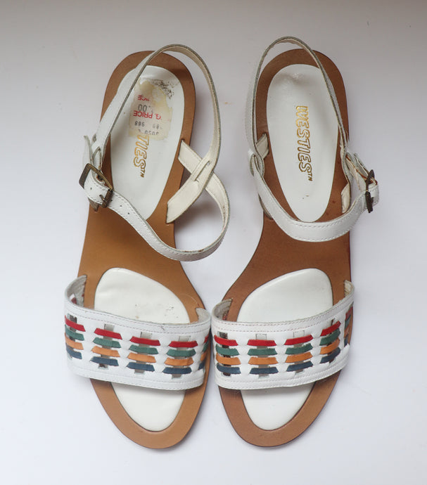 VINTAGE WHITE SANDALS WITH RAINBOW POP
