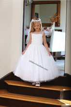 Load image into Gallery viewer, Sleeveless lace applique & pearls mesh first communion