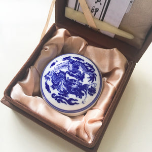 Quality red ink paste in blue and white porcelain