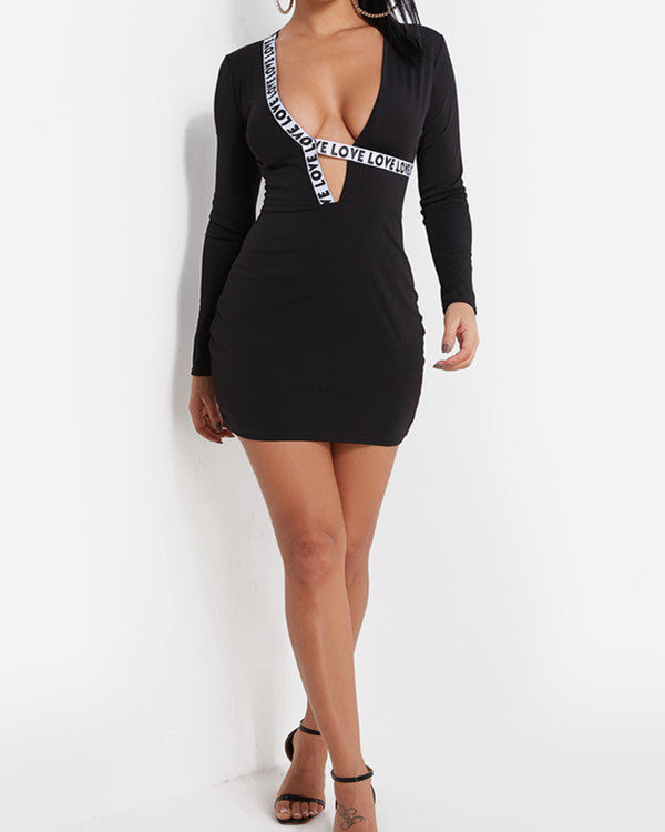Black Letter Pattern Deep V Neck Long Sleeves Bodycon Dress