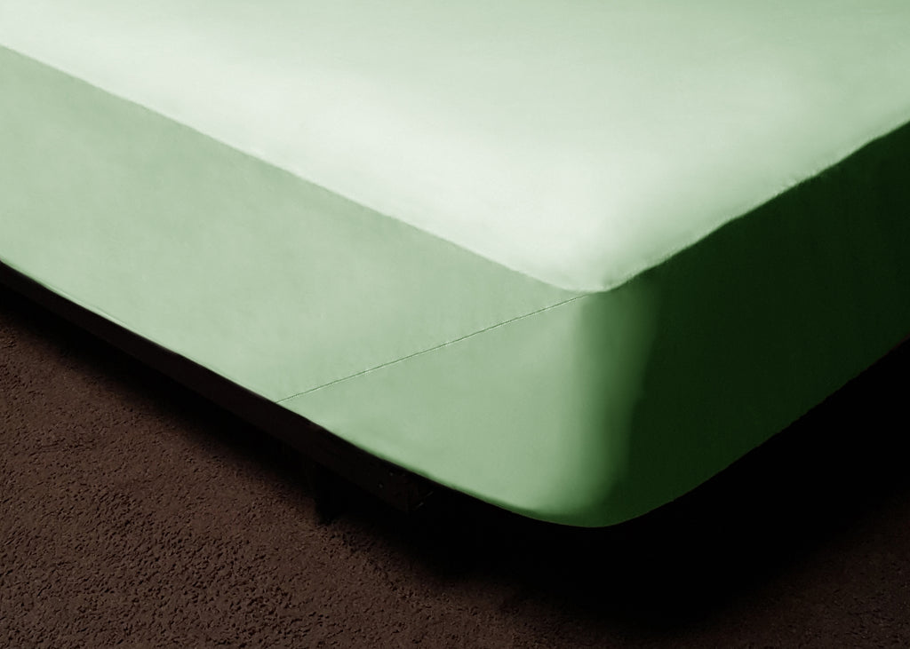 Light Green Fitted Bed Sheet Set