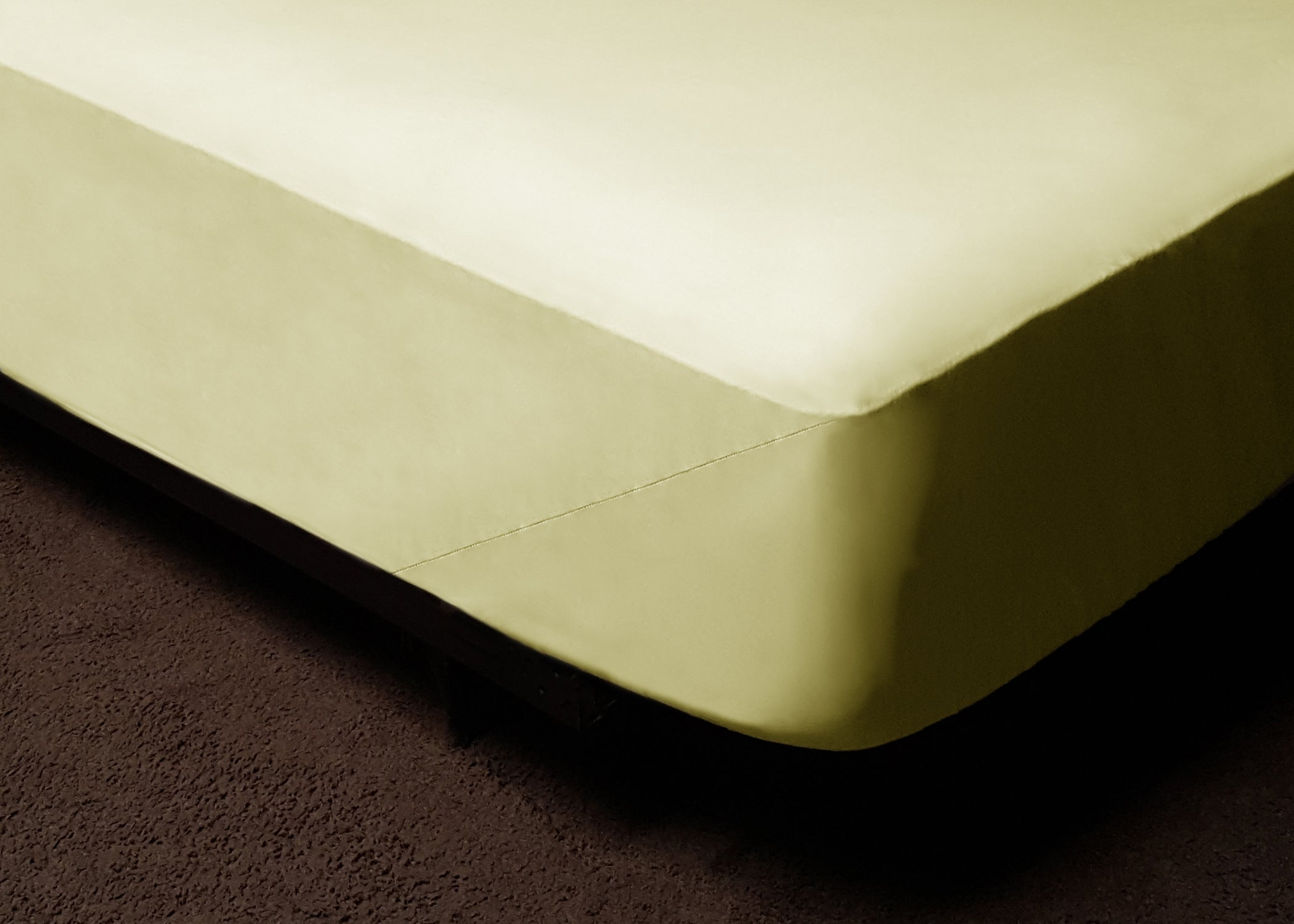 Light Yellow Fitted Bed Sheet Set