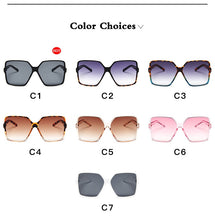 Load image into Gallery viewer, Classy Fashion UV Sun Glasses