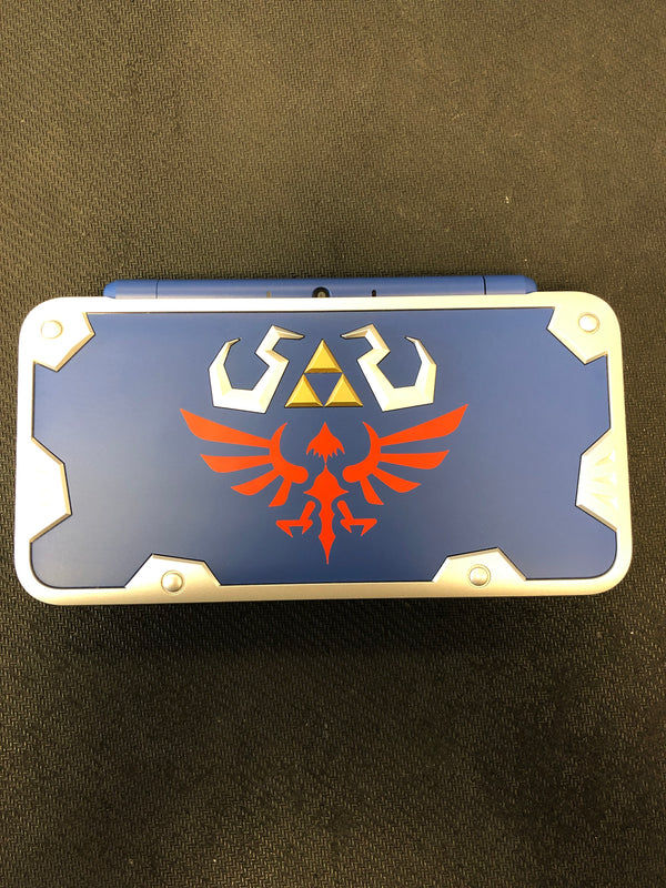 3DS: 2DS XL Hylian Shield Edition (Refurbished)