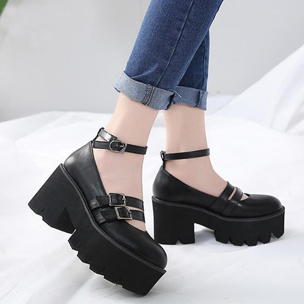 """JANE"" PLATFORM SHOES"