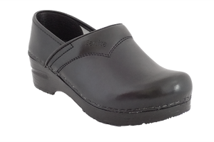 Sanita san flex clogs for chefs, surgeons and nurses - diagonal view