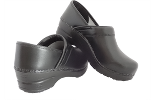Sanita san flex clogs for chefs, surgeons and nurses - back and heel view