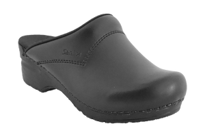 Sanita San Flex chef clogs comfortable black diagonal view