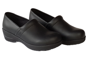 Wellness Faves Shoe - most comfortable nursing shoe two diagonal view