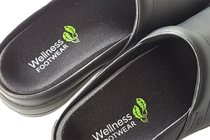 Wellness Faves Clogs - Black