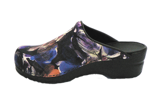 Sanita nurse clogs trixy purple inside
