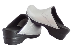 Sanita Silver San Flex Clogs easy clean for nurses - diagonal with heel view