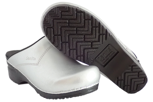 Sanita Silver San Flex Clogs easy clean for nurses - diagonal with sole view