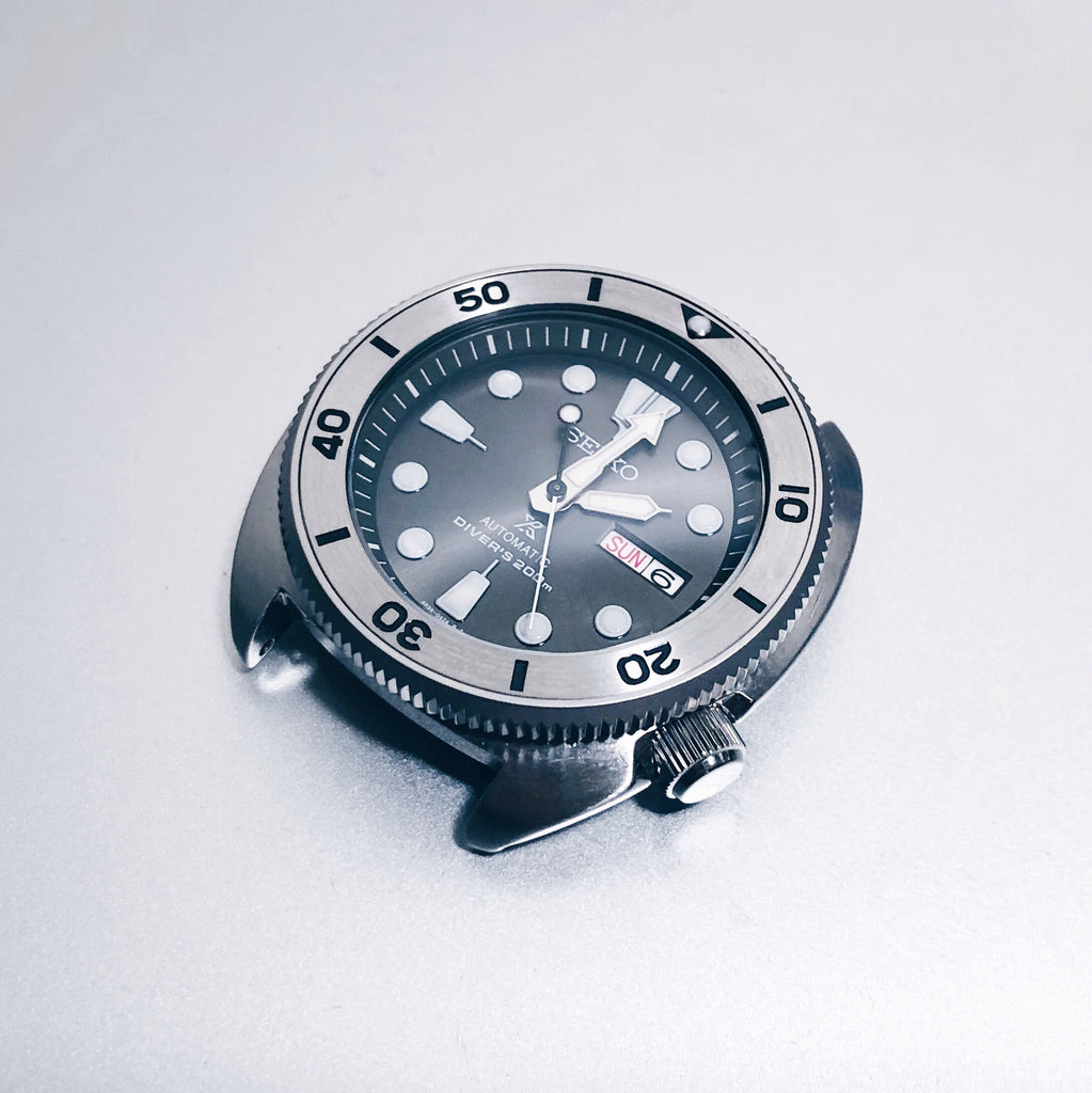 SRP Turtle Coin Edge Bezel: Sandblasted Finish