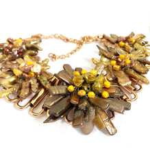 Load image into Gallery viewer, Flowers Necklace