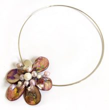 Load image into Gallery viewer, Pink Pearl Flower Necklace