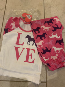 Love Horses Pyjamas - Age 3/4yrs - Free Delivery 🚚