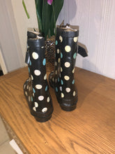 Load image into Gallery viewer, Dublin Spotty Wellies - Size 8 / 26 - Free Delivery 🚚