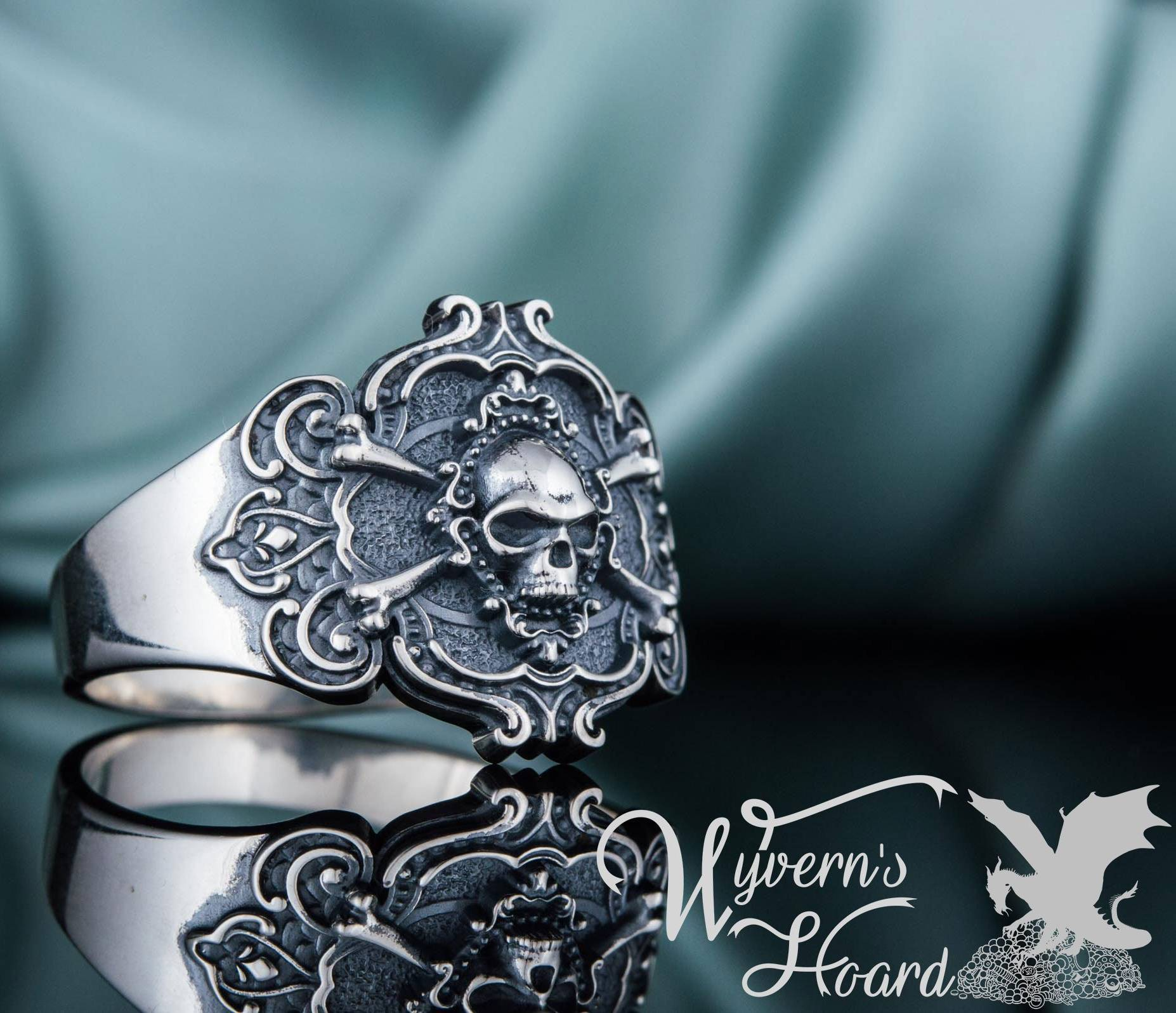 Jolly Roger Pirate Symbol Ring