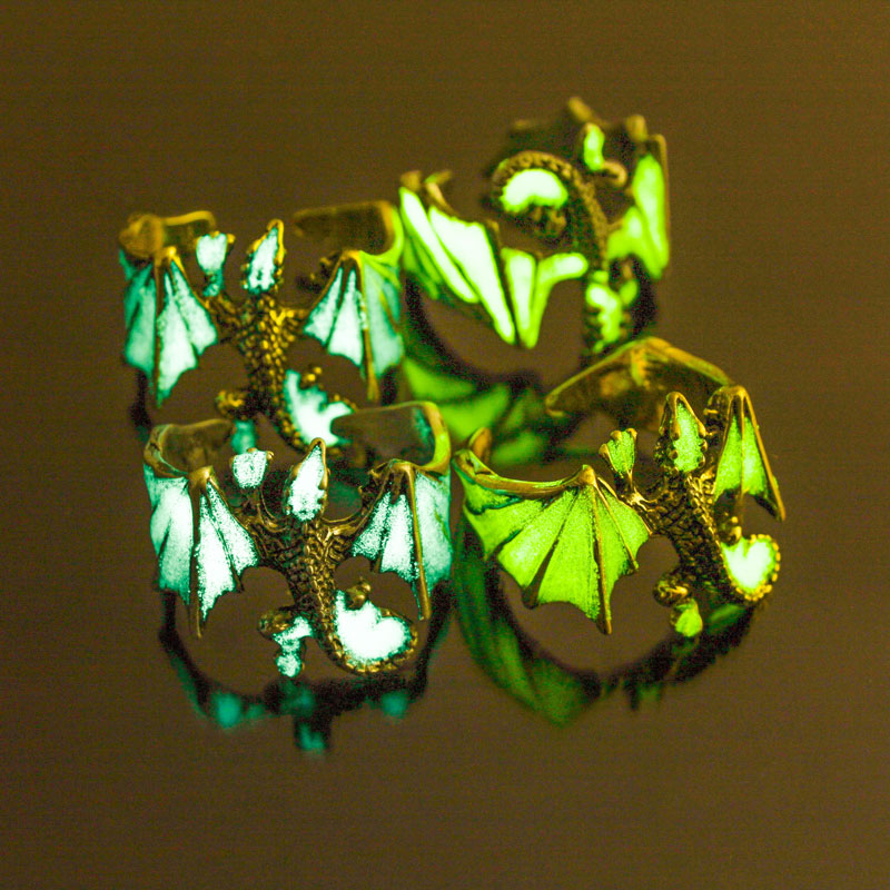 Glow In The Dark Roosting Dragon Ring