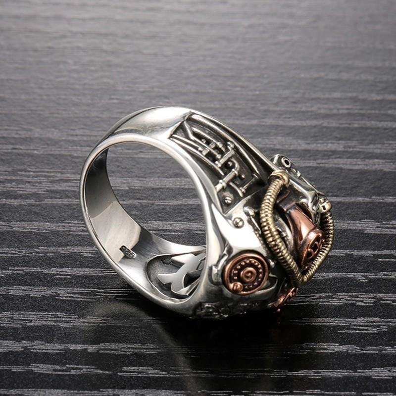 Steampunk Skull Ring - Wyvern's Hoard
