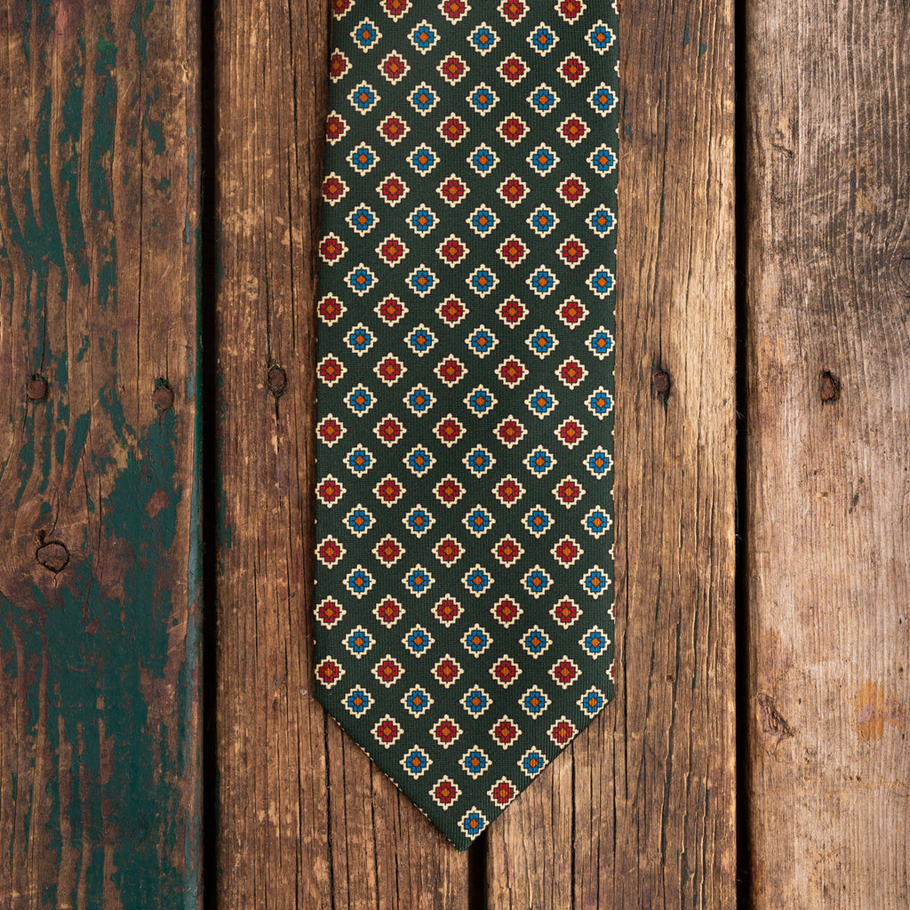Green medallion Macclesfield silk tie