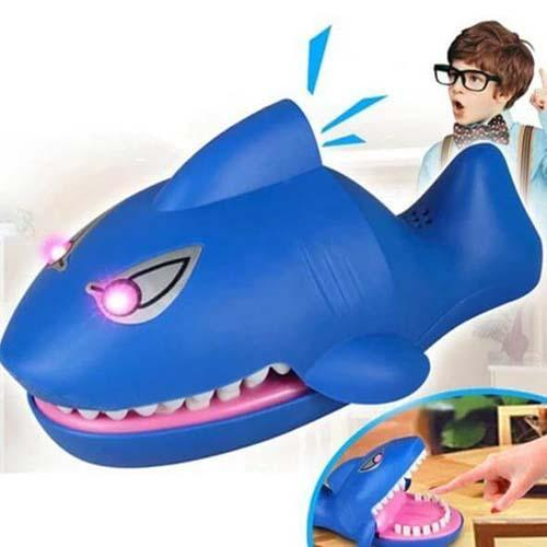 Plastic Shark Bite Finger Toy