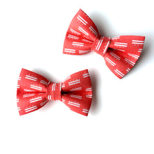 Load image into Gallery viewer, Mini Dog Bow Tie