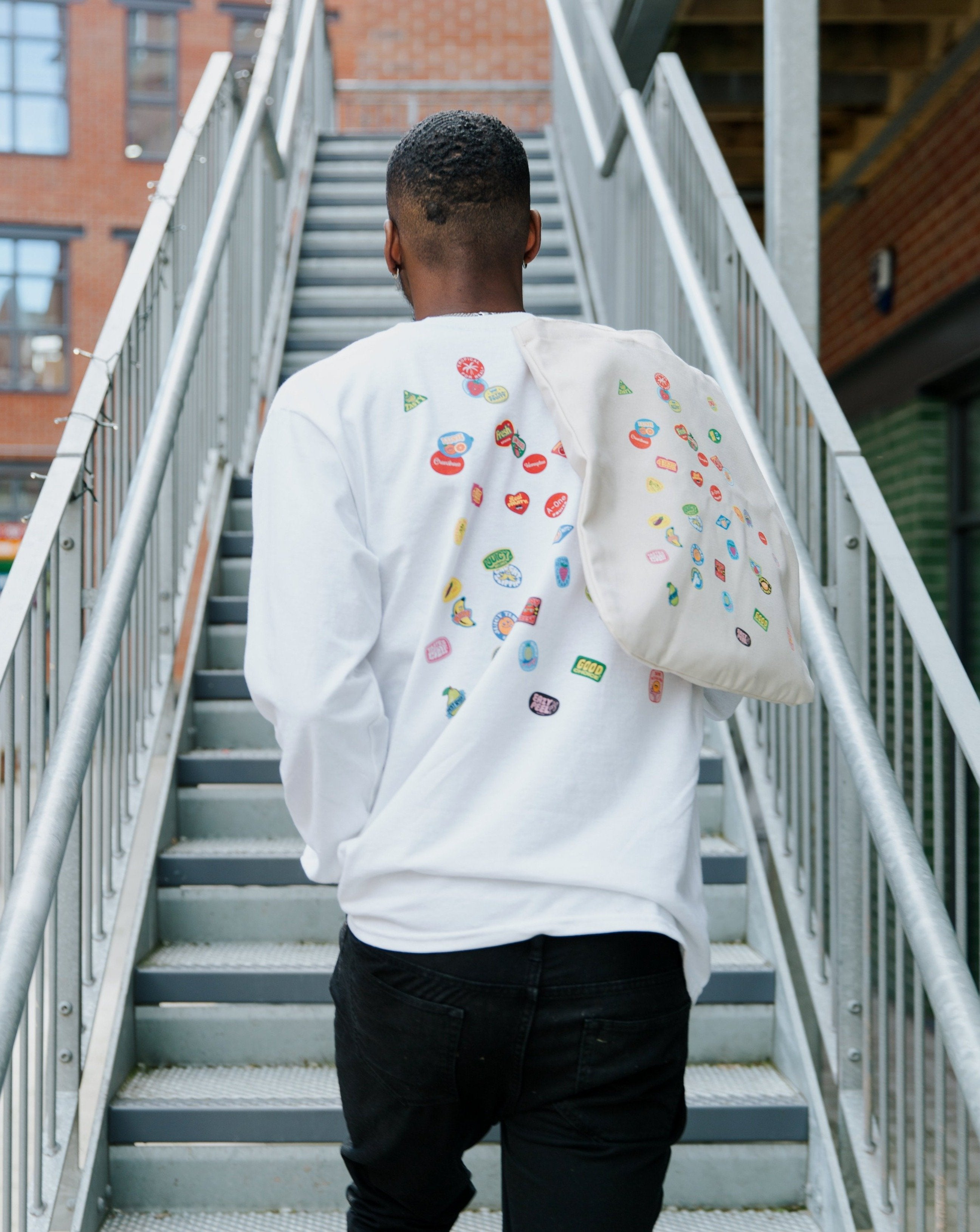 SCATTER LONG SLEEVE TEE NATURAL SNACK - WHITE - Fruit Stickers