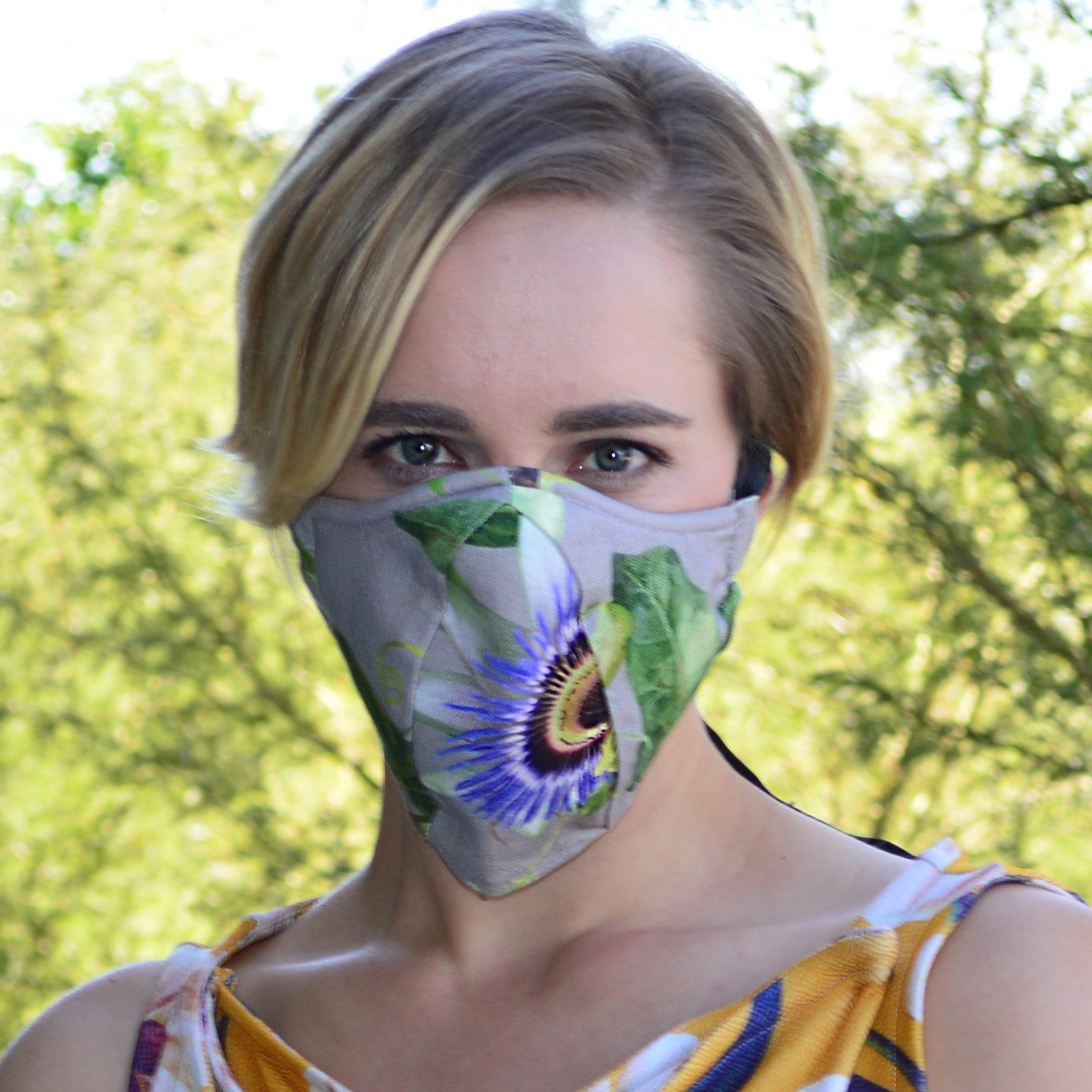 Reusable mask 4.0 Granadilla Flower On Grey