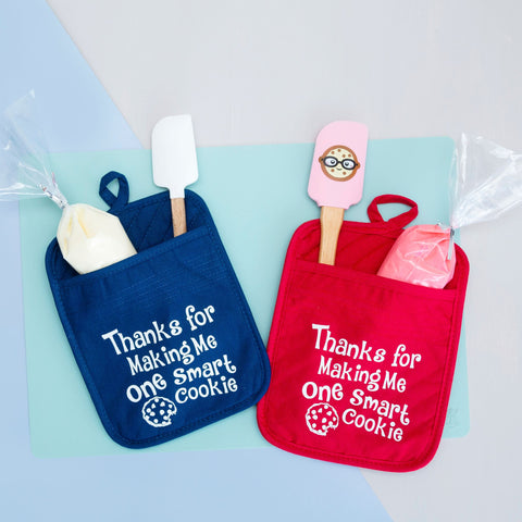 Red and blue potholders with saying thanks for making me one smart cookie teacher gift idea