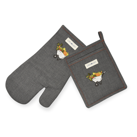 Oven Mitt & Pot Holder Set - A Barrow full of goodness - Black