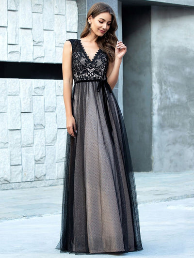Unique Doublue V Neck Tulle Evening Gowns with Lace