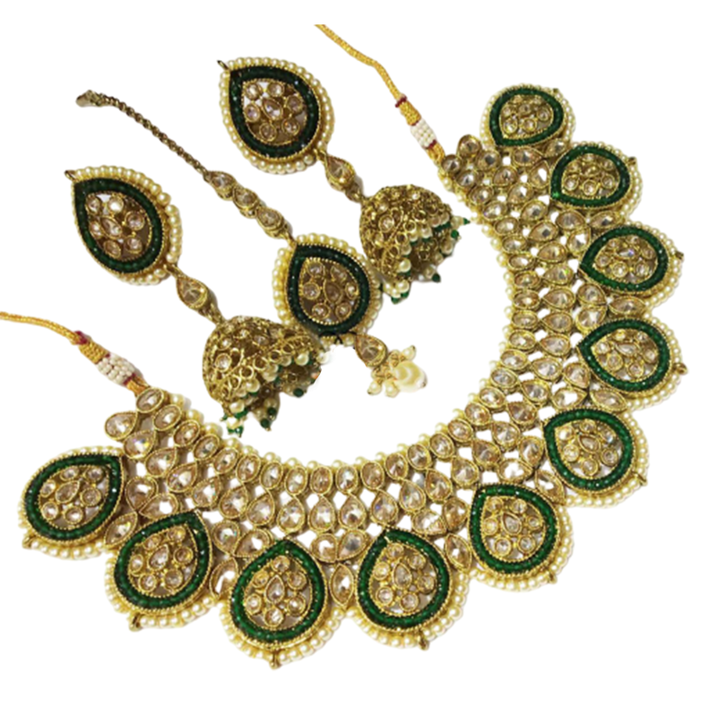choker set with earrings and maang tika