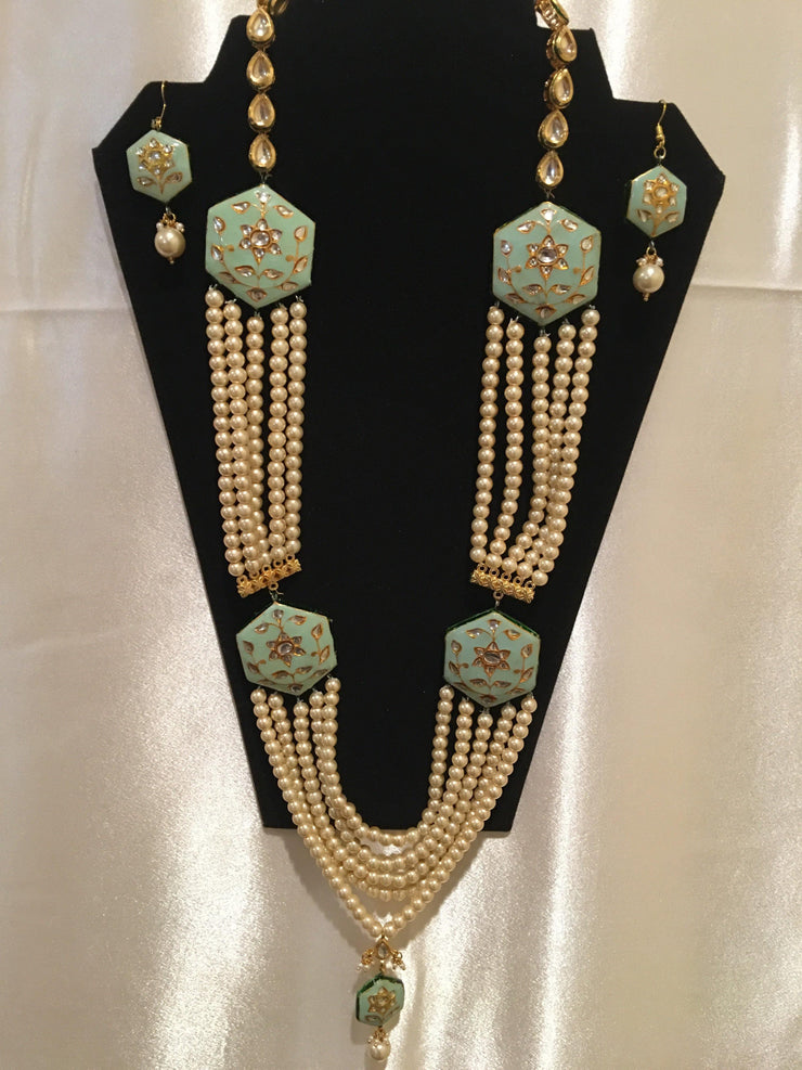 Beautiful Kundan Pearl Necklace And Earring Set