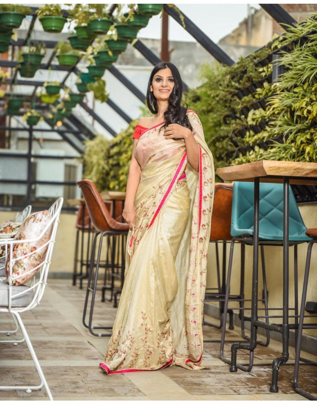 Rent Gold Tissue Chanderi Saree-Women-Glamourental