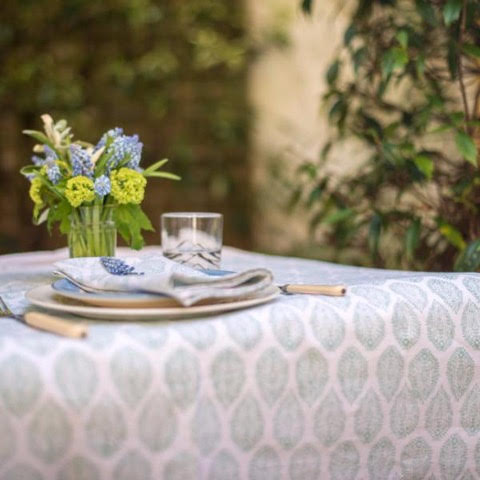 LEAF TABLECLOTH IN BLUE