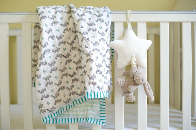BUNNY COT QUILT IN GREEN
