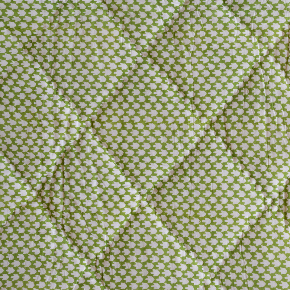 CHICKEN FEET QUILT IN GREEN