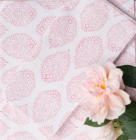 LEAF TABLECLOTH IN PINK