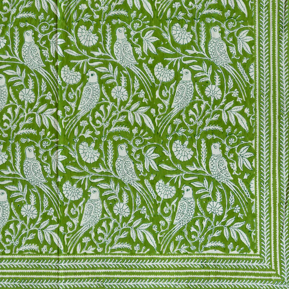 PARROT TABLECLOTH IN GREEN