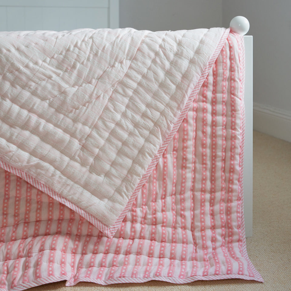 STAR AND STRIPE QUILT IN PINK, SINGLE